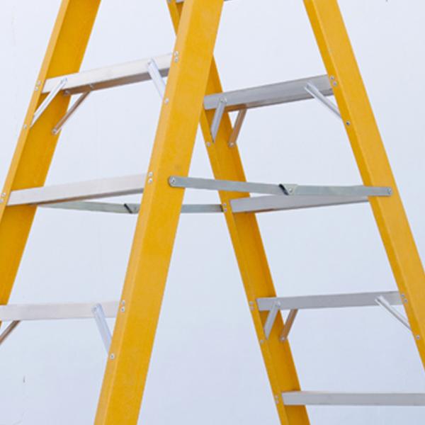 Escalera de fibra de doble subida con pelda o ancho de for Escaleras fibra