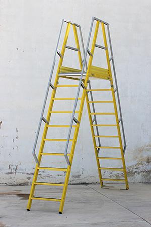 Partes de una escalera industrial
